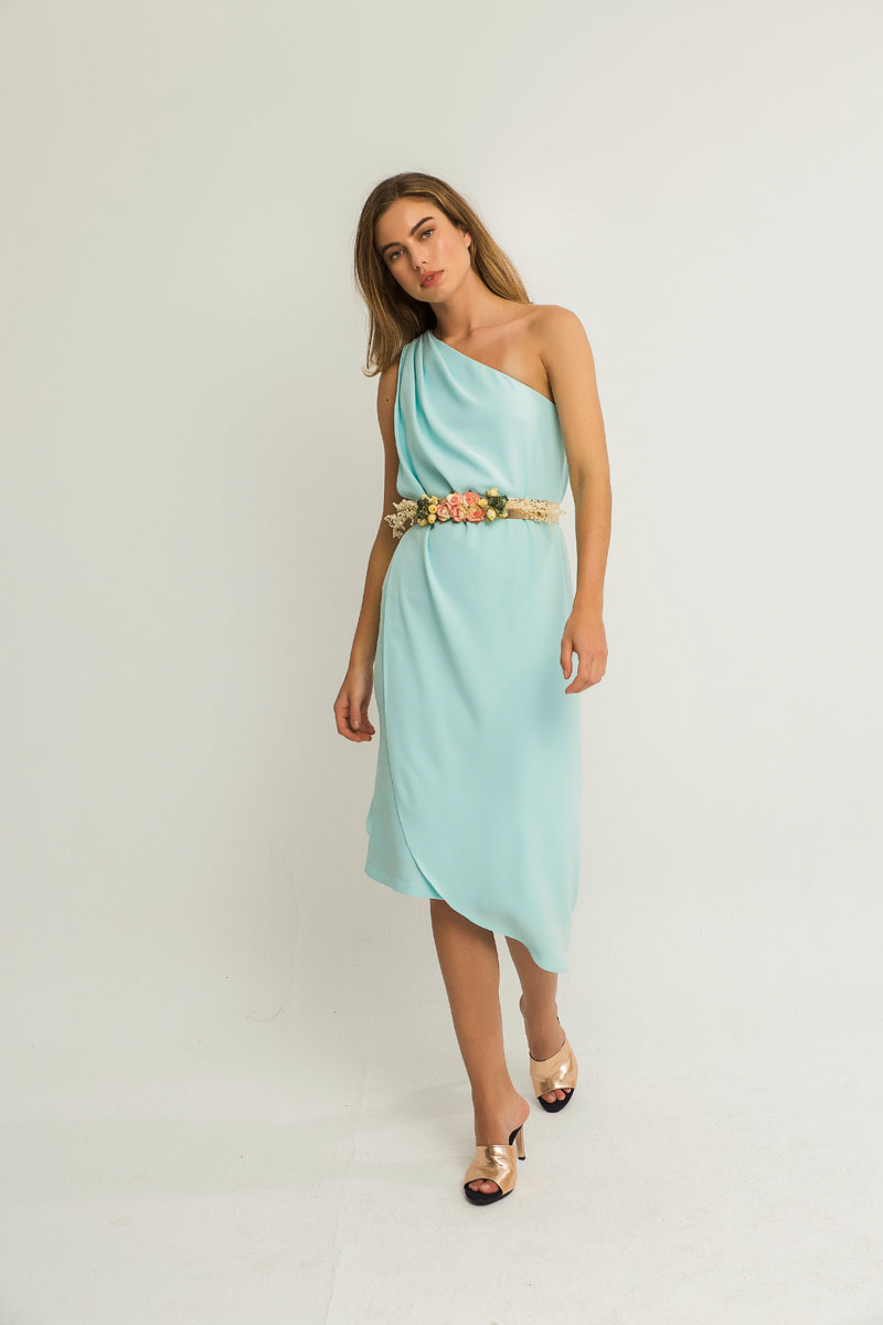 vestido azul claro corto capa mar apparentia