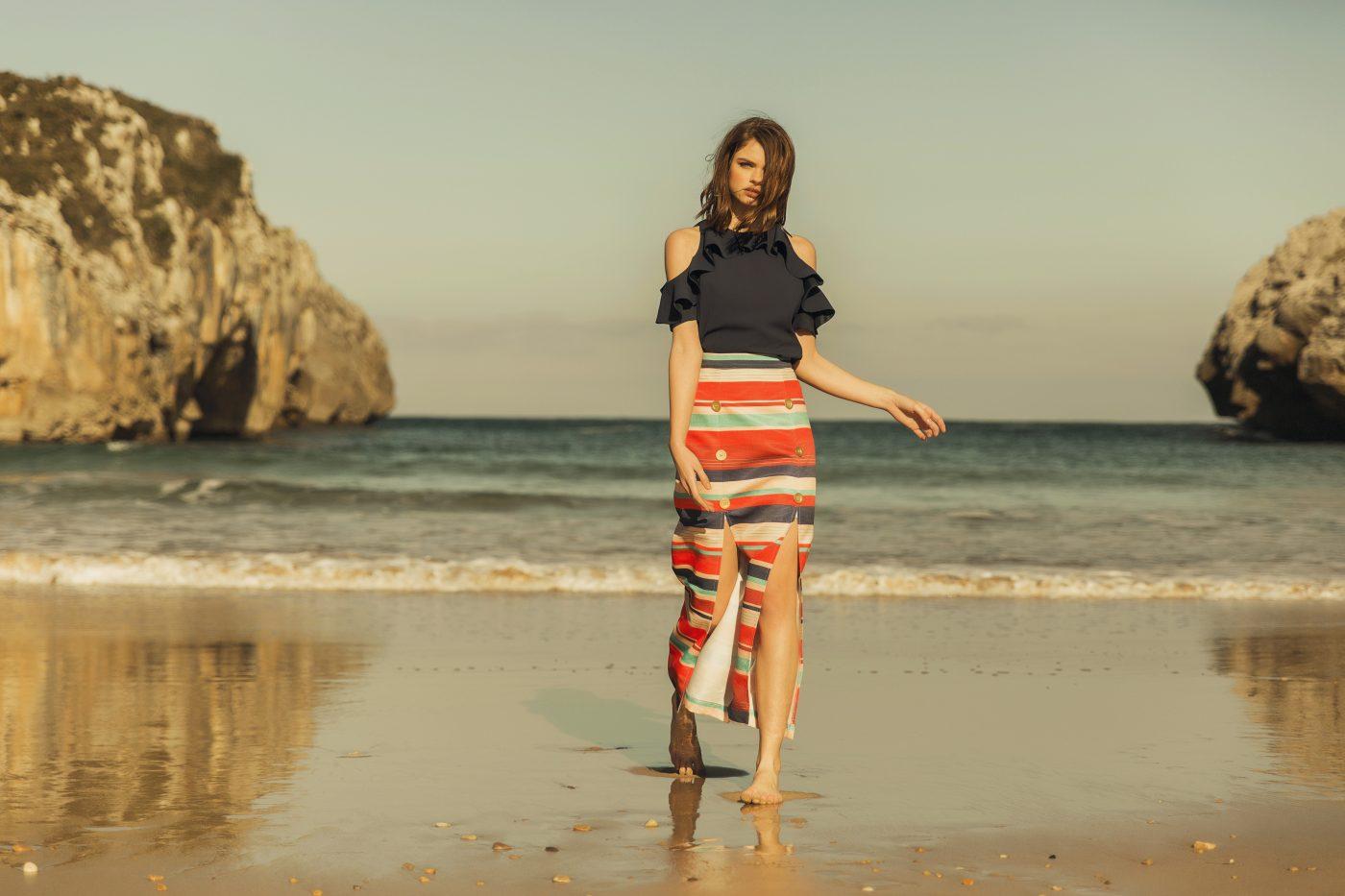 falda ona y blusa azul marino apparentia