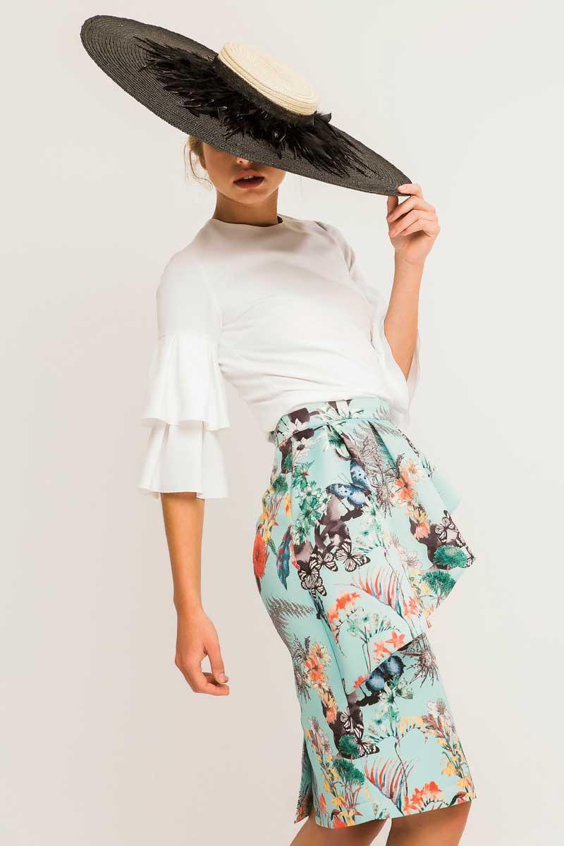 falda estampado callas con blusa alondra blanca