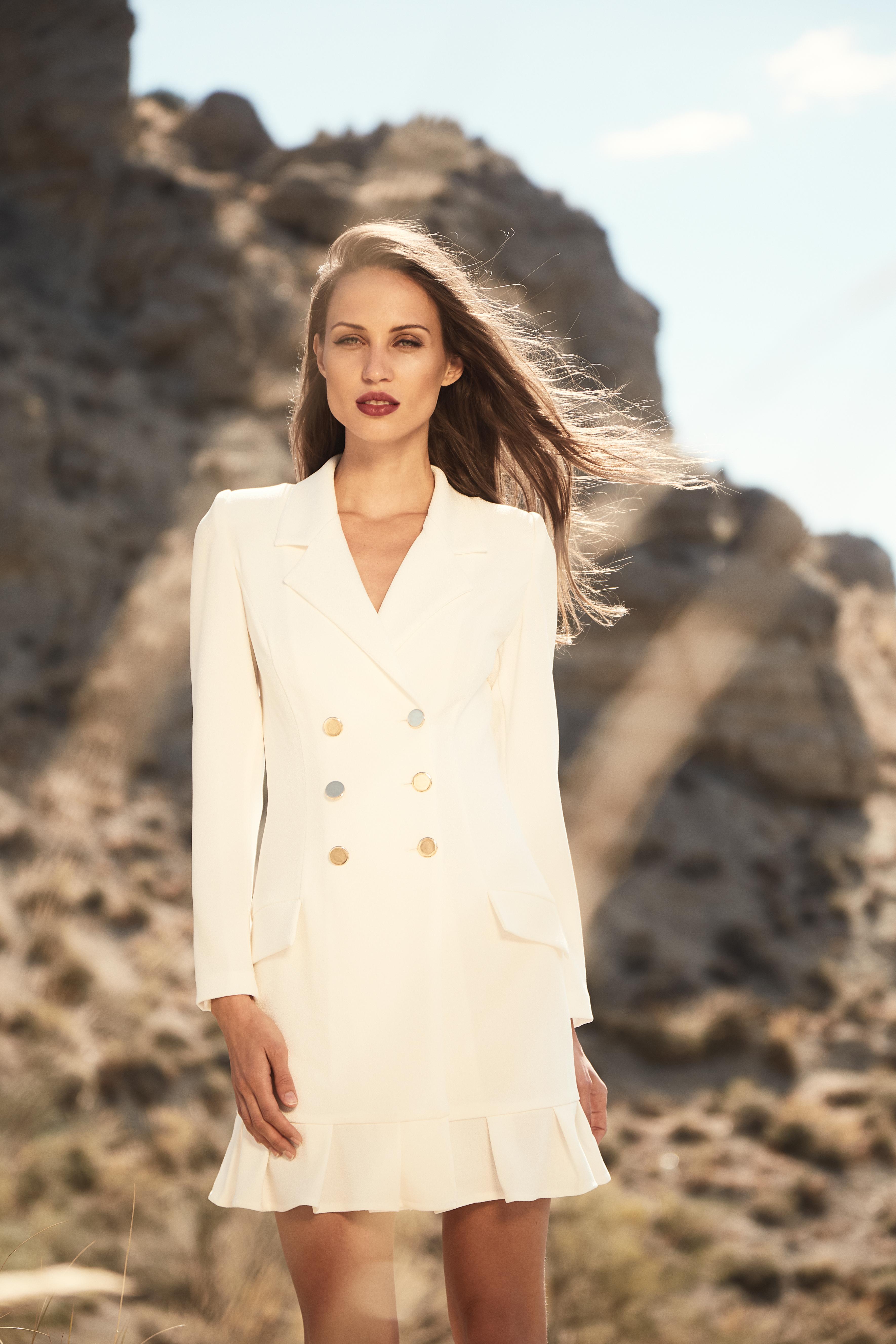 vestido esmoquin blanco harriet de apparentia