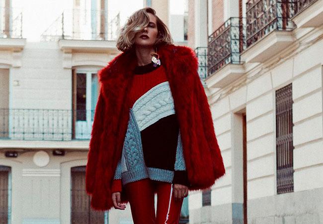abrigo rojo pelo sintetico de apparentia modelo  brisa fenoy revista vogue