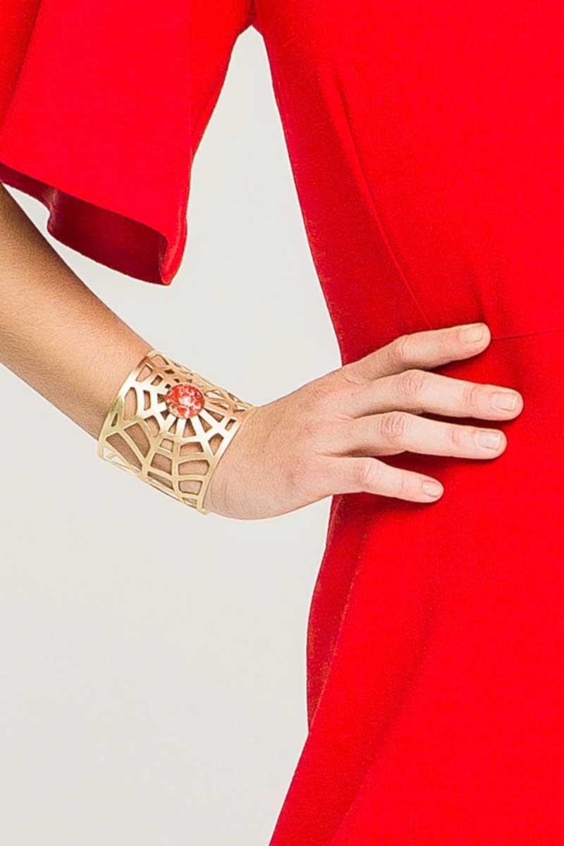 brazalete dorado con piedra roja de apparentia regalo navidad