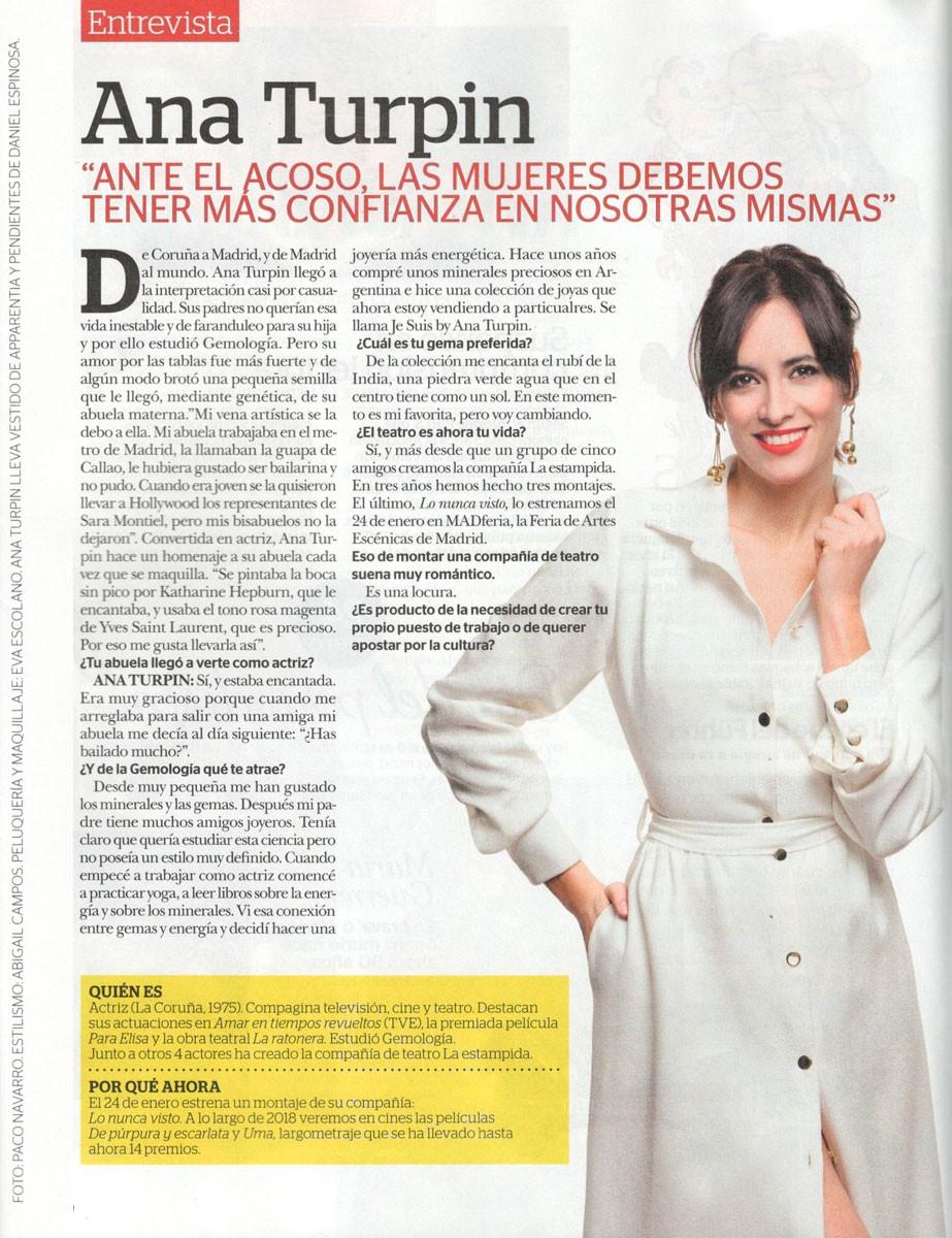 actriz ana turpin con vestido blanco midi apparentia