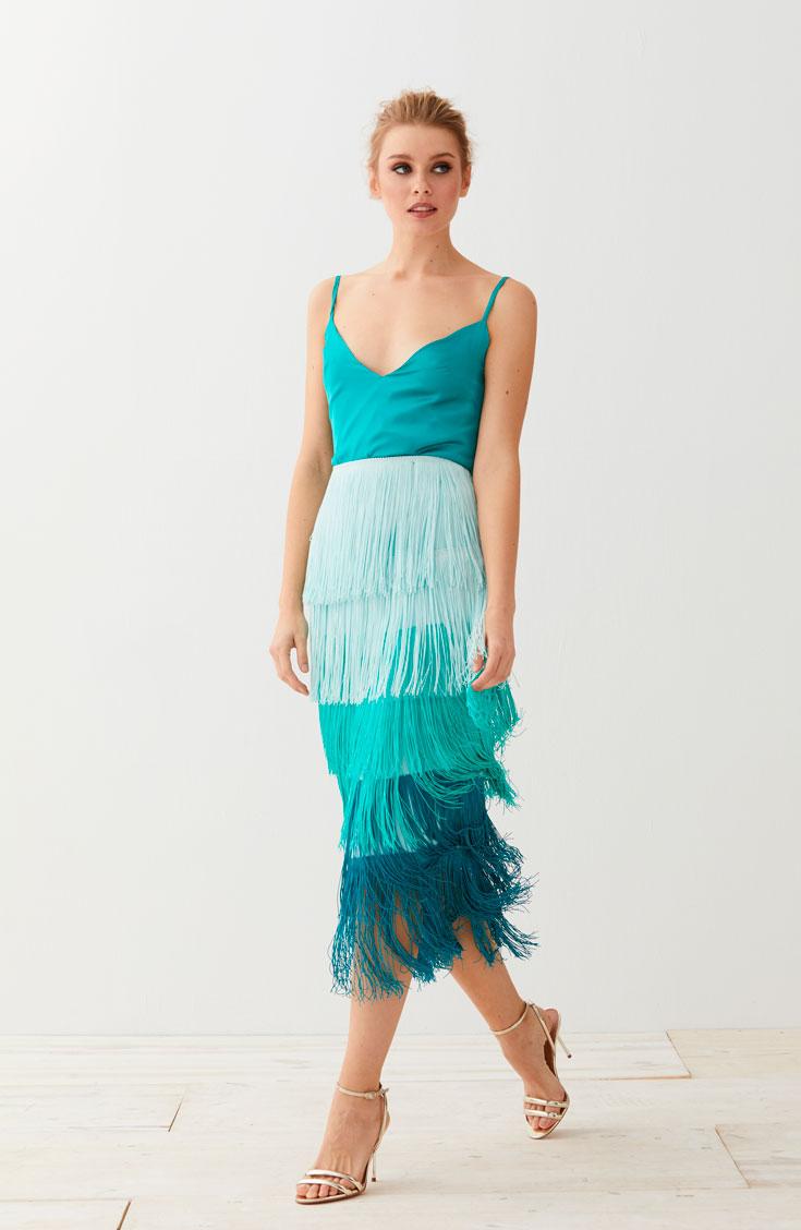 falda de flecos aguamarina y top evan lencero para invitadas de apparentia