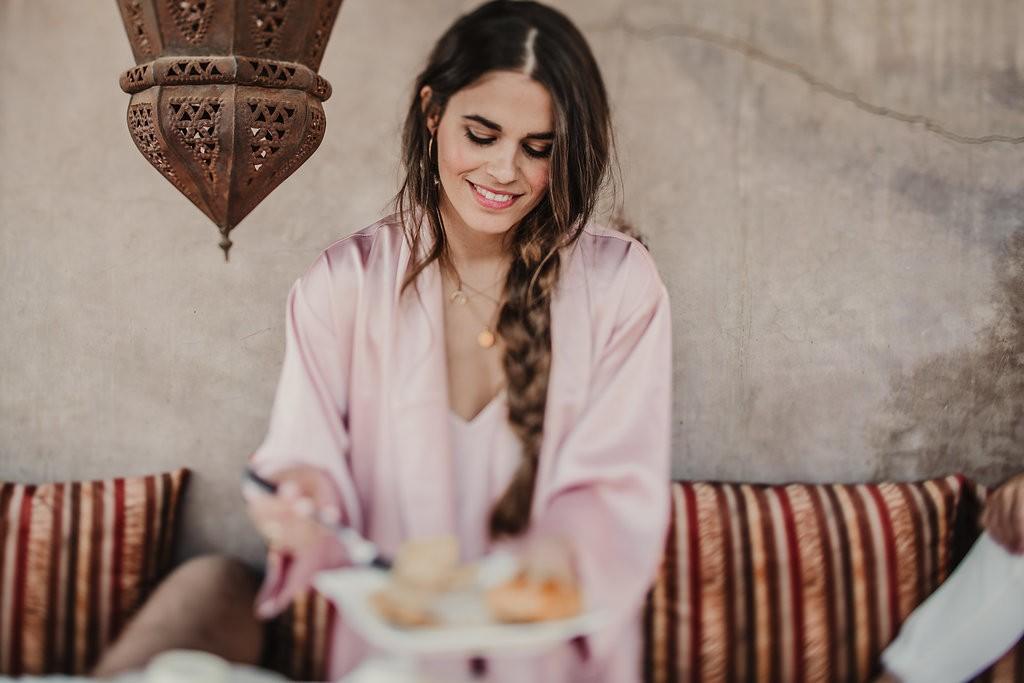 bata corta rosa personalizada le temps de l'amour jessie chanes blogger novias