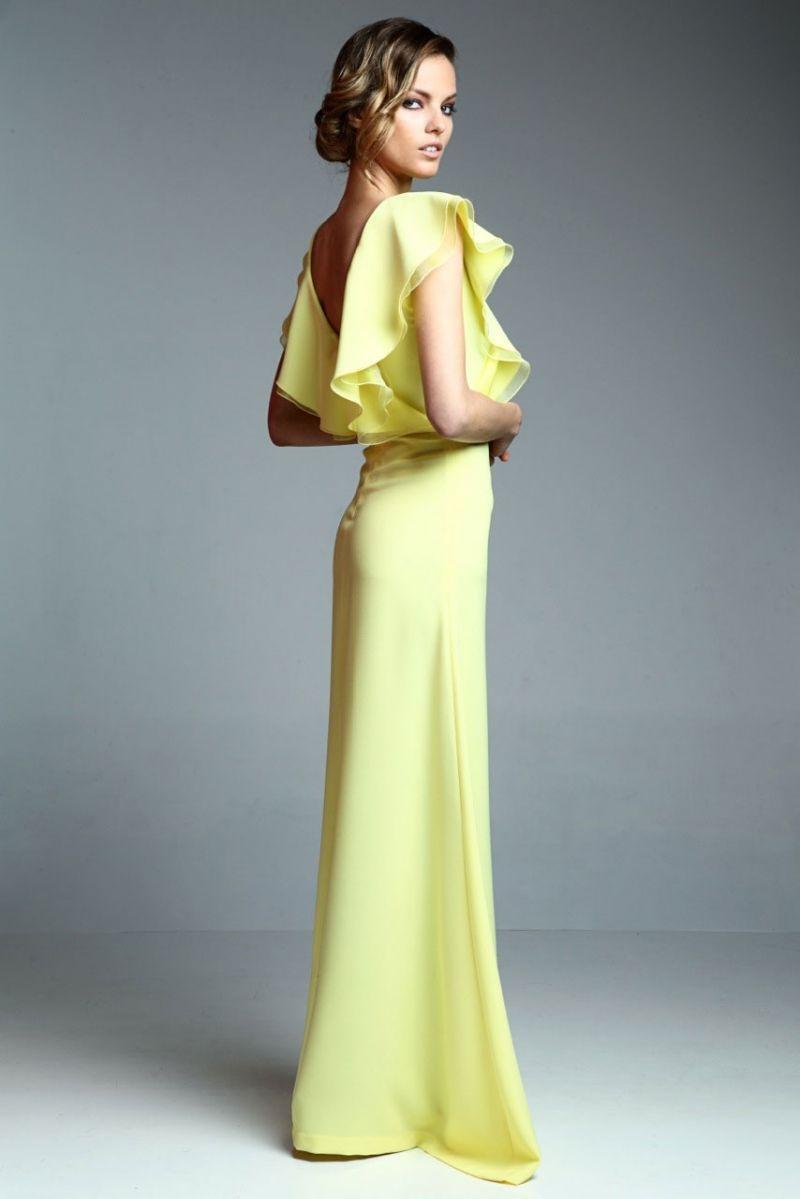 vestido largo amarillo con volantes y escote en la espalda de apparentia