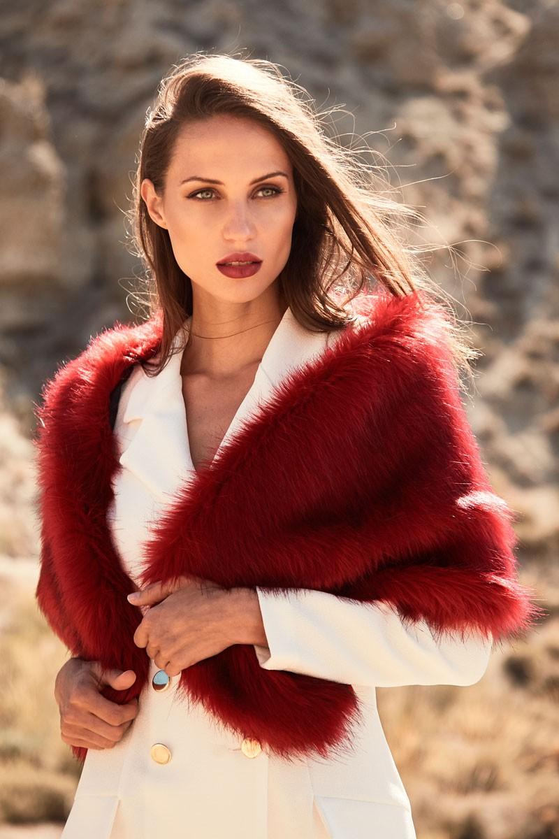 nuevo concepto dcbeb 1b64b estola-de-pelo-sintetico-roja-complemento-abrigo-perfecto ...
