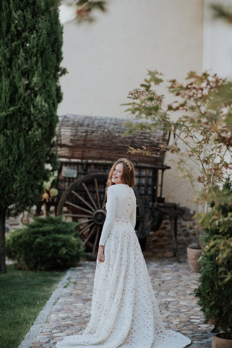 conjunto top y falda bordada para novias de apparentia la champanera