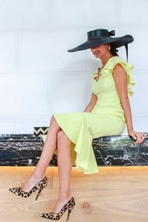 looks invitadas vestido corto sirena amarillo divine weddings planer apparentia