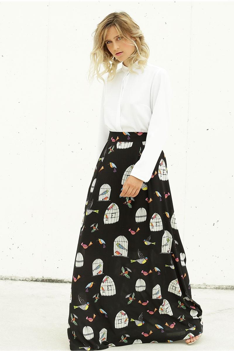 falda larga estampada crepe fino fondo negro con dibujos pajaros azules  rosas jaulas blancas doble abotonadura 266fbad0caae