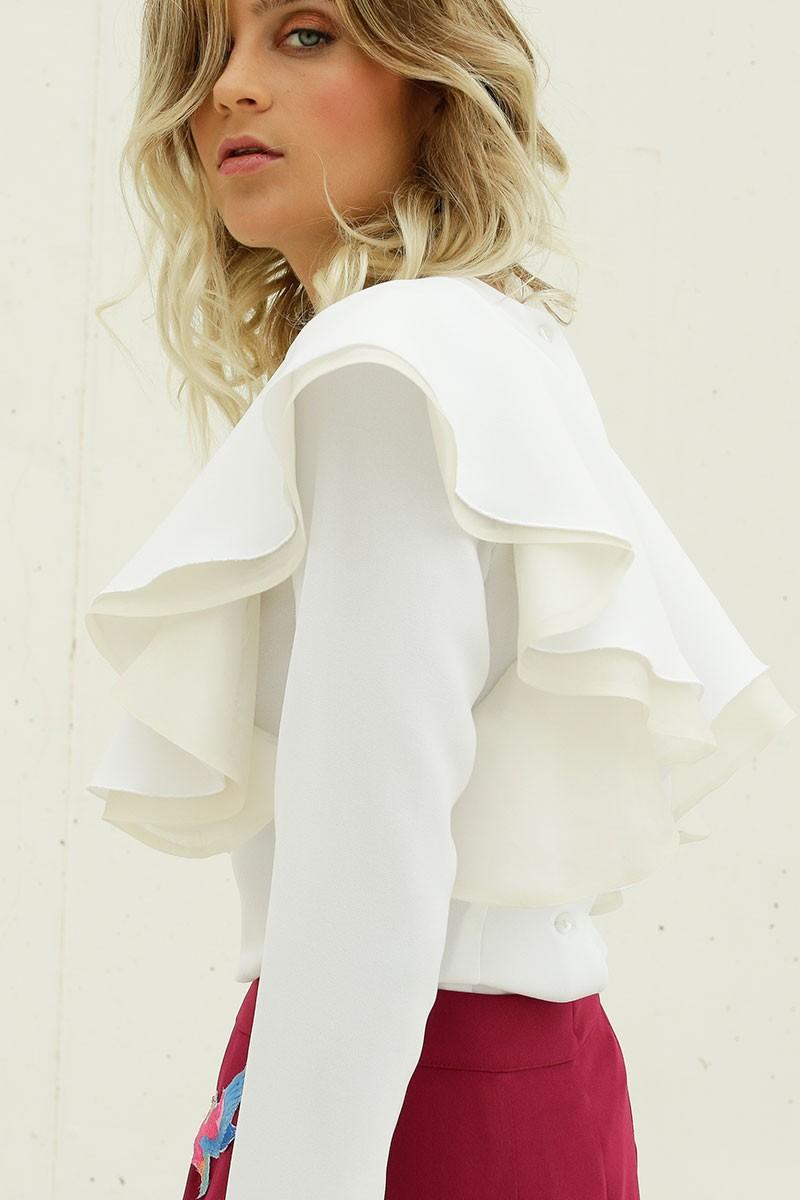blusa blanca volantes manga larga invitadas boda