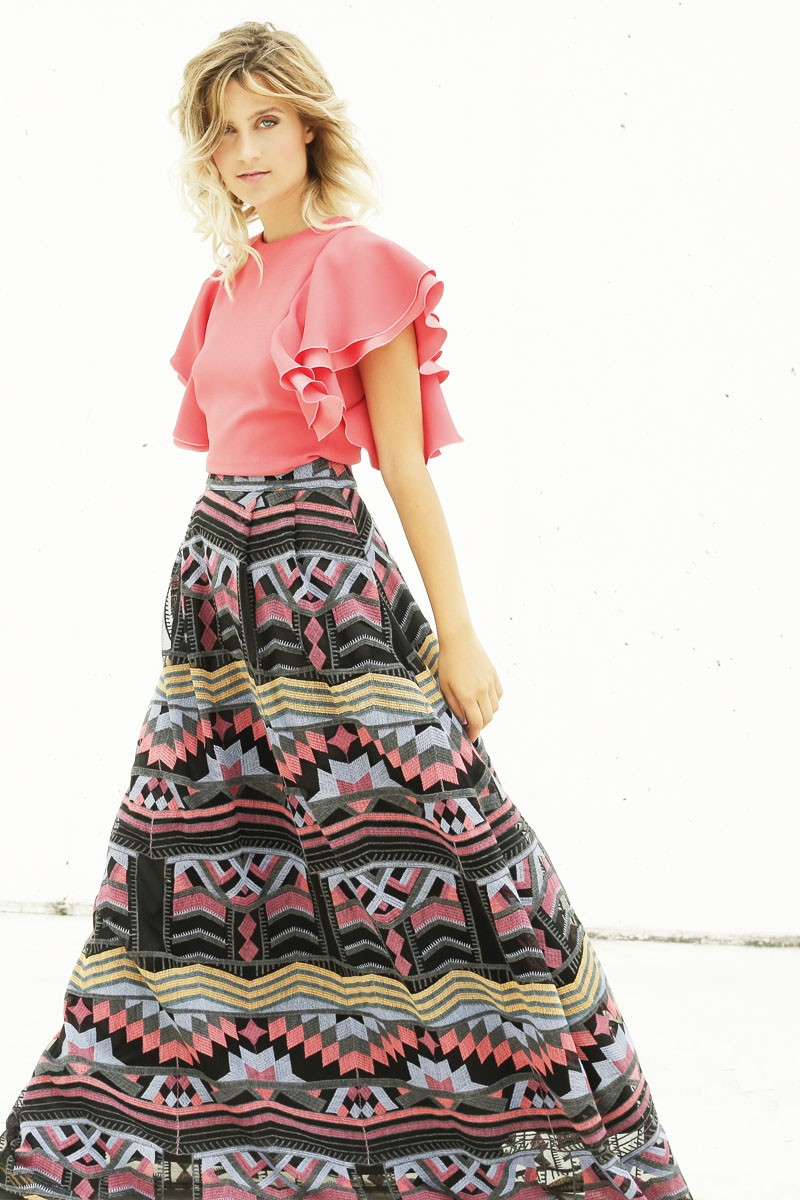 Falda larga con estampado etnico color negro con hilos for Jardin nochevieja 2016