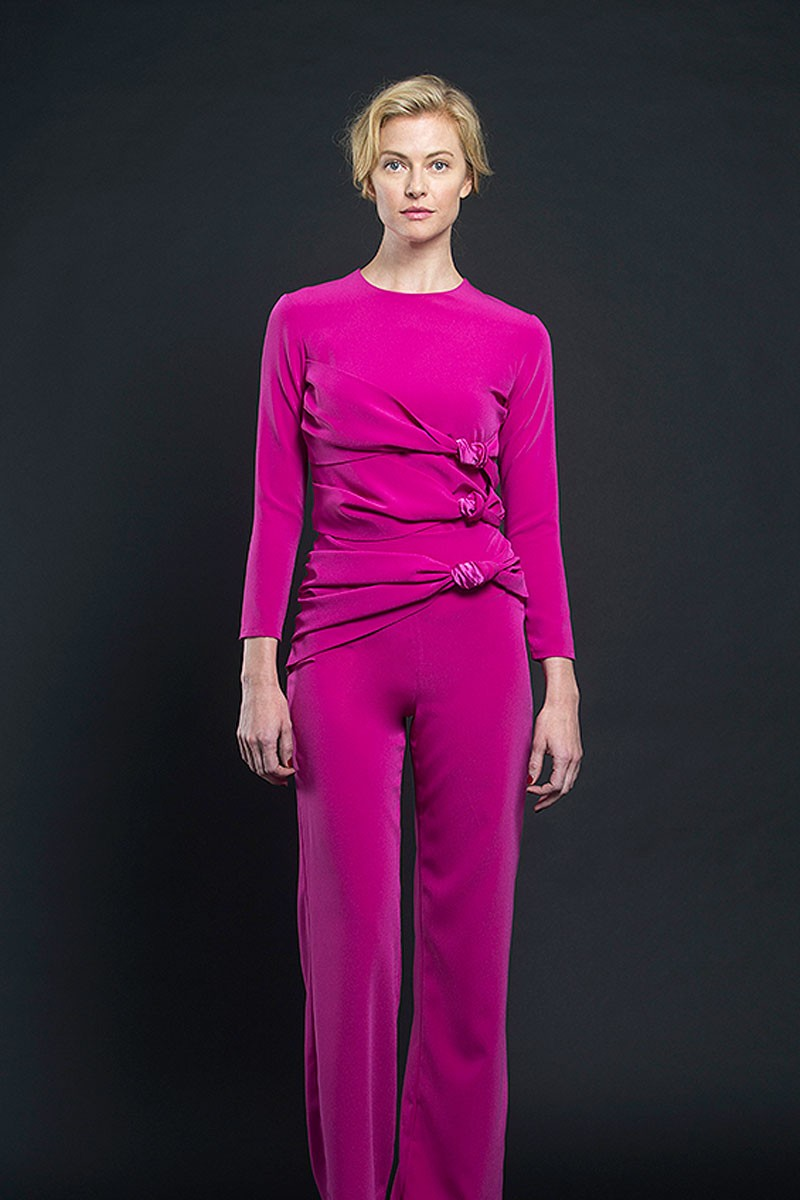 pantalon pitillo rosa fucsia invitada fiesta