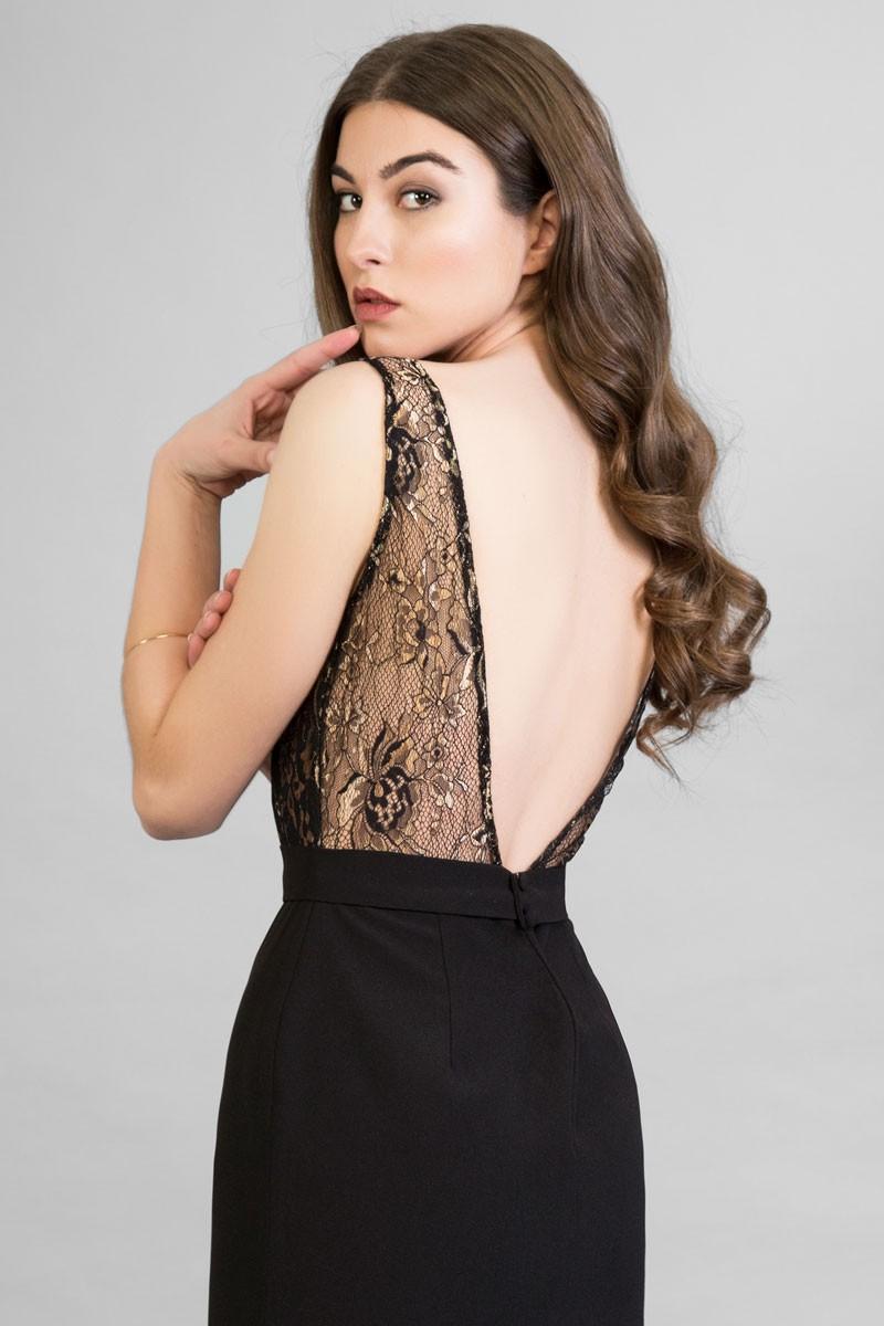 Bajo vestido sin nada en tienda de ropa - 1 part 1