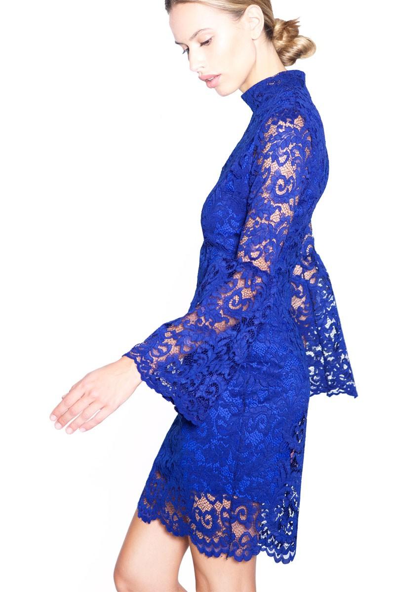 30bad27db vestido corto manga larga azul encaje de felipe albernaz para invitadas  apparentia