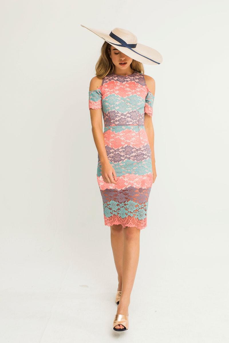 d838d51cf54a6 Comprar online vestido corto de encaje en tonos pastel hombros descubiertos  o vestidos originales para fiestas