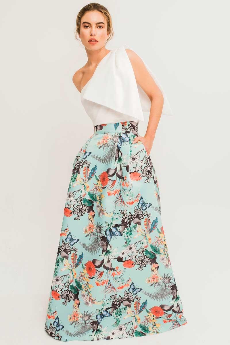 aaea253783ab5 Maxi falda larga estampada de mariposas y flores para invitada de boda  madrina evento elegante fiesta