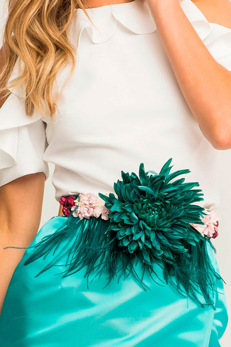 comprar online cinturon con flor verde plumas margandu rosas para fiesta  evento ocasion apparentia shopping 797b4d87c6d2