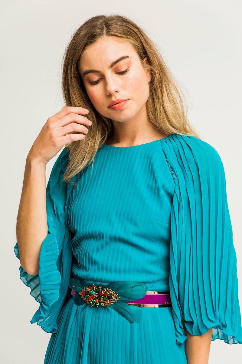 cinturon joya flor con plumas azules y base terciopelo morado