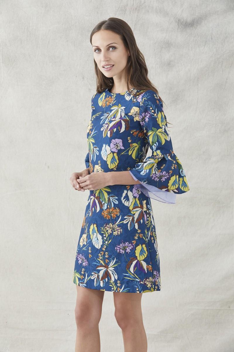 comprar online vestido corto evase confeccionado en tejido de jacquard con  fondo en color azul oscuro ce24fff7073e