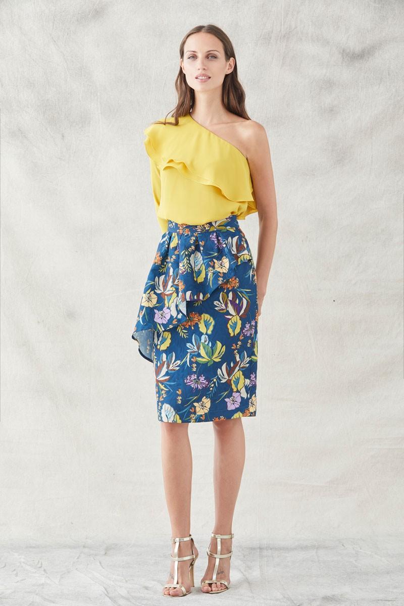 571f5b2ee falda recta corta con peplum en tejido jacquard estampado de flores para  invitadas de bodas eventos