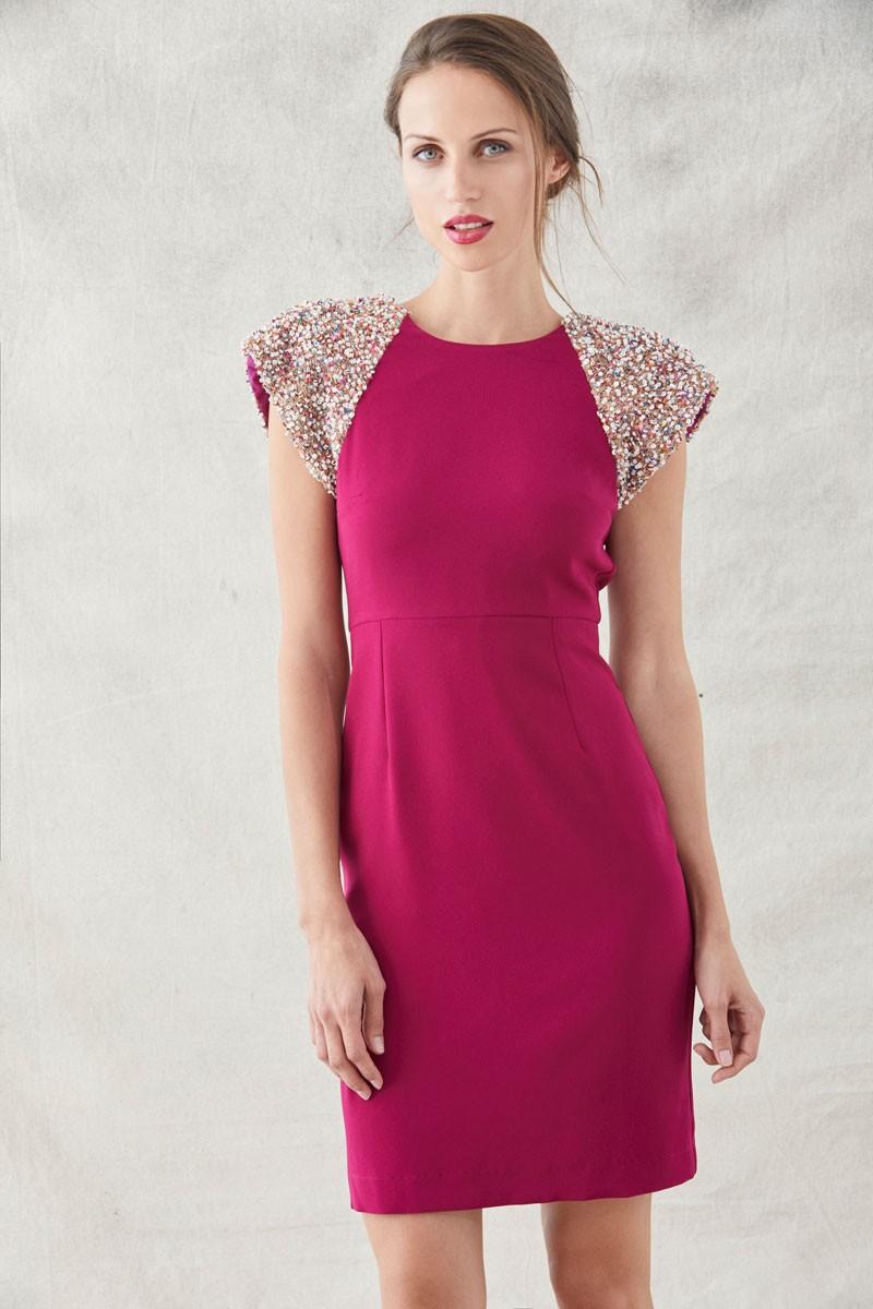 668cff8de Comprar online vestidos para invitada de boda de dia color frambuesa  lentejuelas en los hombros manga