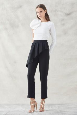 4754d3c4a pantalones pitillo negro con peplum para invitadas de boda eventos fiestas  apparentia