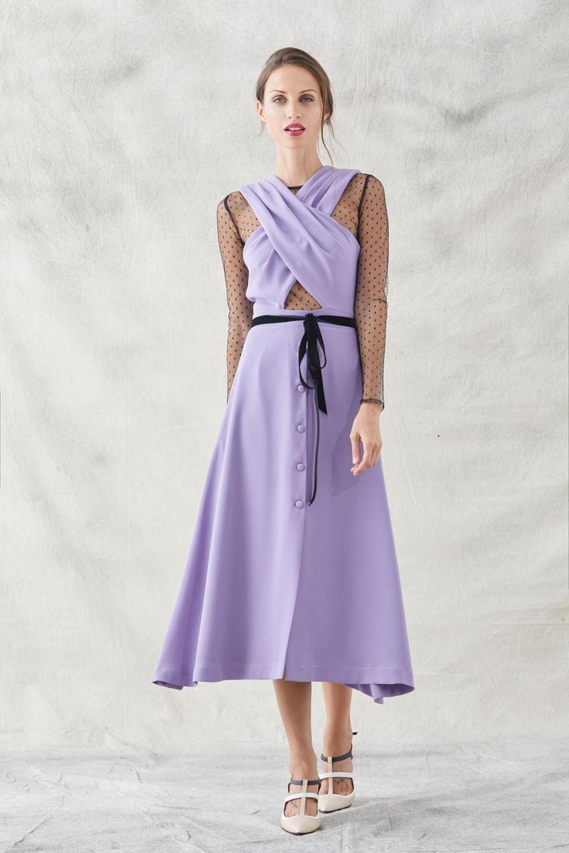 vestido midi lila cruzado con tul plumeti negro lazo terciopelo