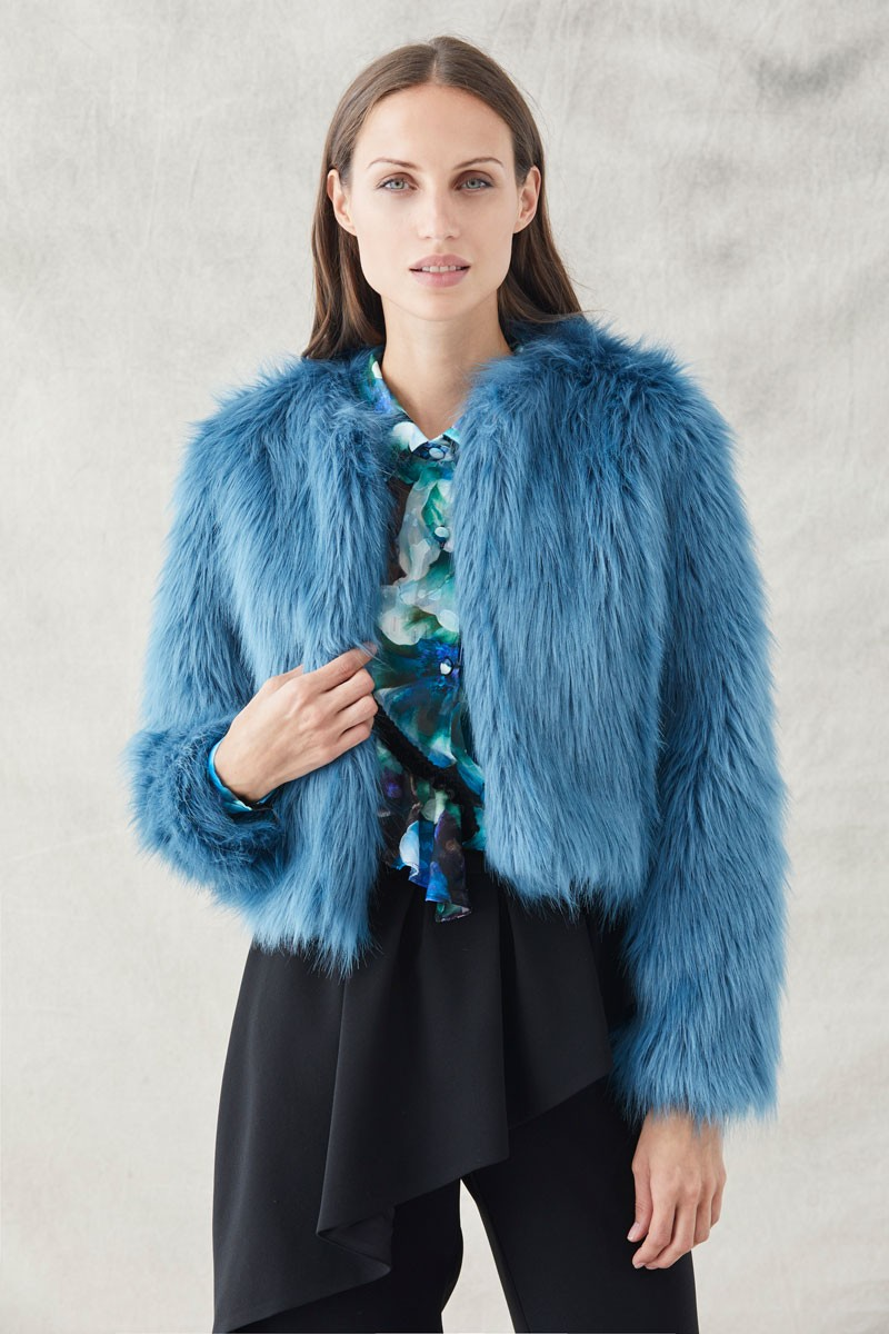diseño atemporal 8a253 8e1c1 Abrigo Corto Pelo Azul Edith