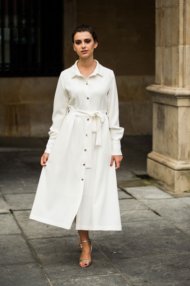 df7d463d7f1a8 Vestido midi camisero crepe rizado blanco claro estampado flores abotonado manga  larga para invitadas de boda