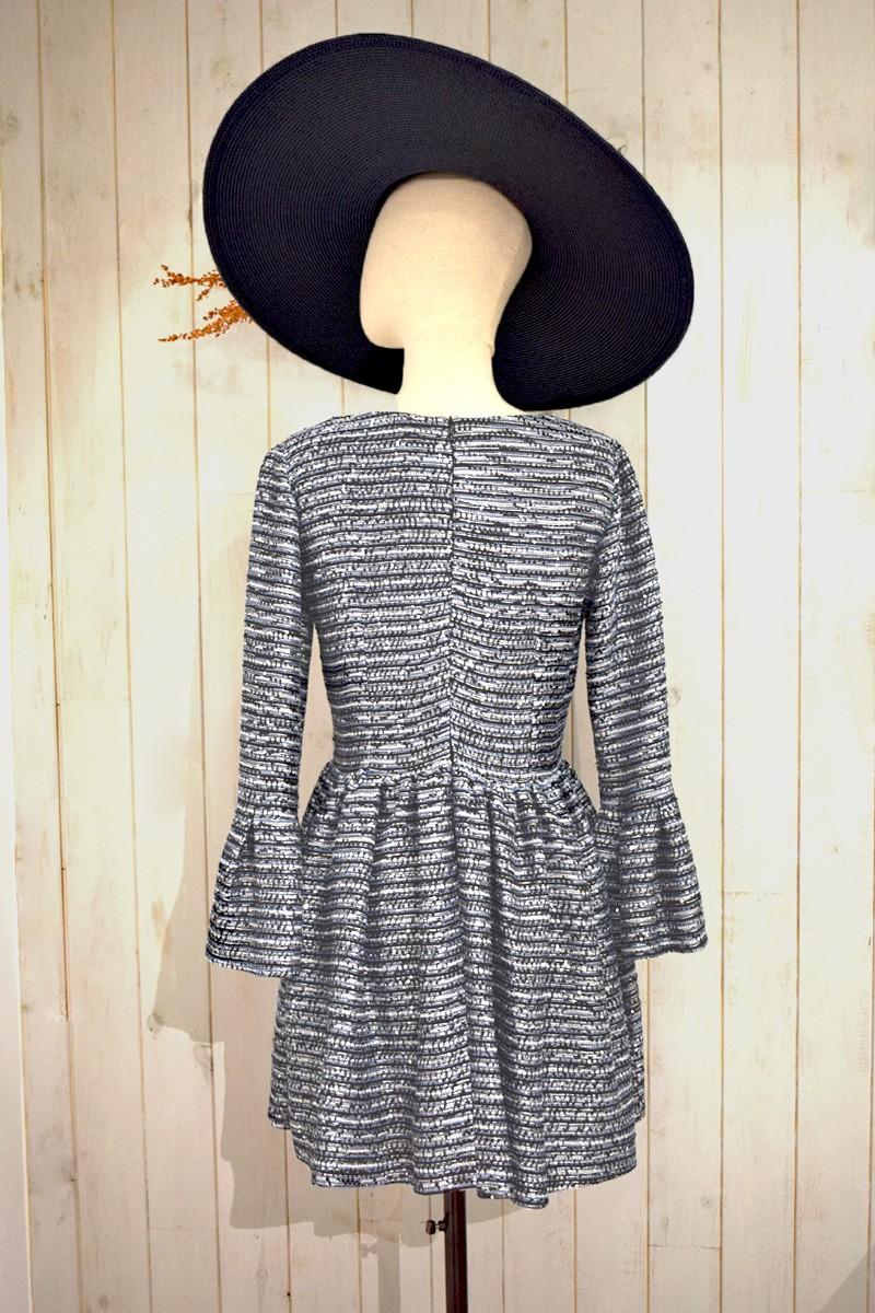 b8503f01e vestido corto tipo chanel azul blanco y negro manga larga falda de vuelo de  apparentia shopping
