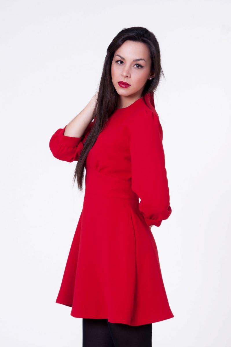160ad3e0c9af4 vestido rojo con falda vuelo de blancaspina