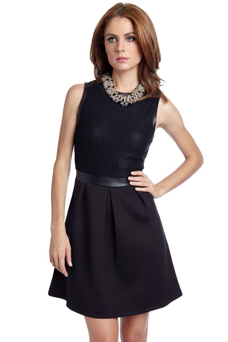 47da02a72 Vestido corto de fiesta negro con corpiño y adorno