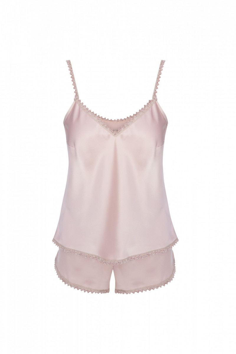 comprar online conjunto corto de top y pantalon color rosa de saten brillante con tira bordada en ganchillo