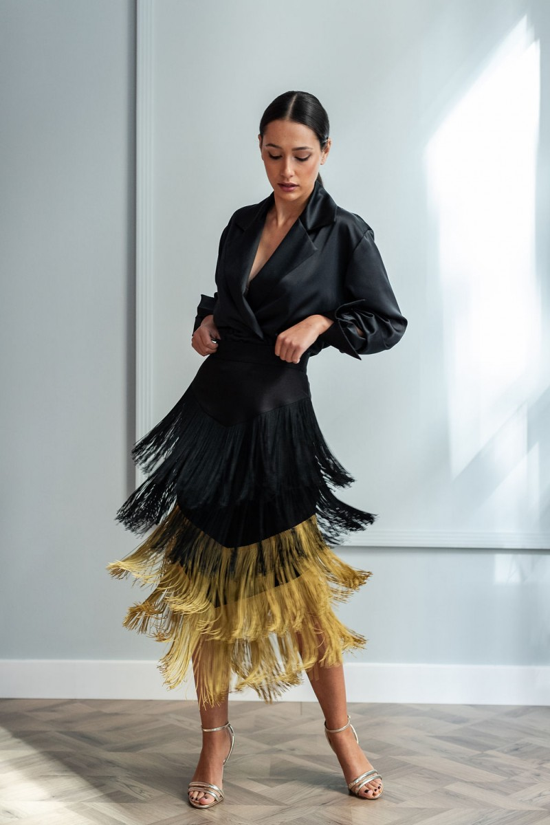 8a620e100 preciosa falda de flecos negra y mostaza para invitadas eventos fiestas  bautizos comuniones apparentia