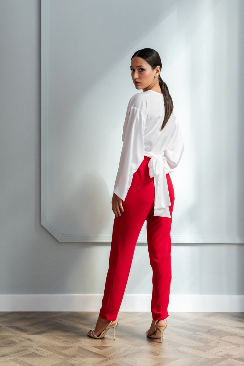 look para invitada pantalon pitillo rojo con peplum apparentia party wedding madrina coctel