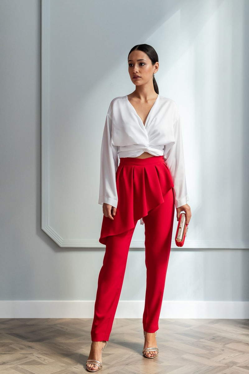 Resultado de imagen para outfit blanco y rojo
