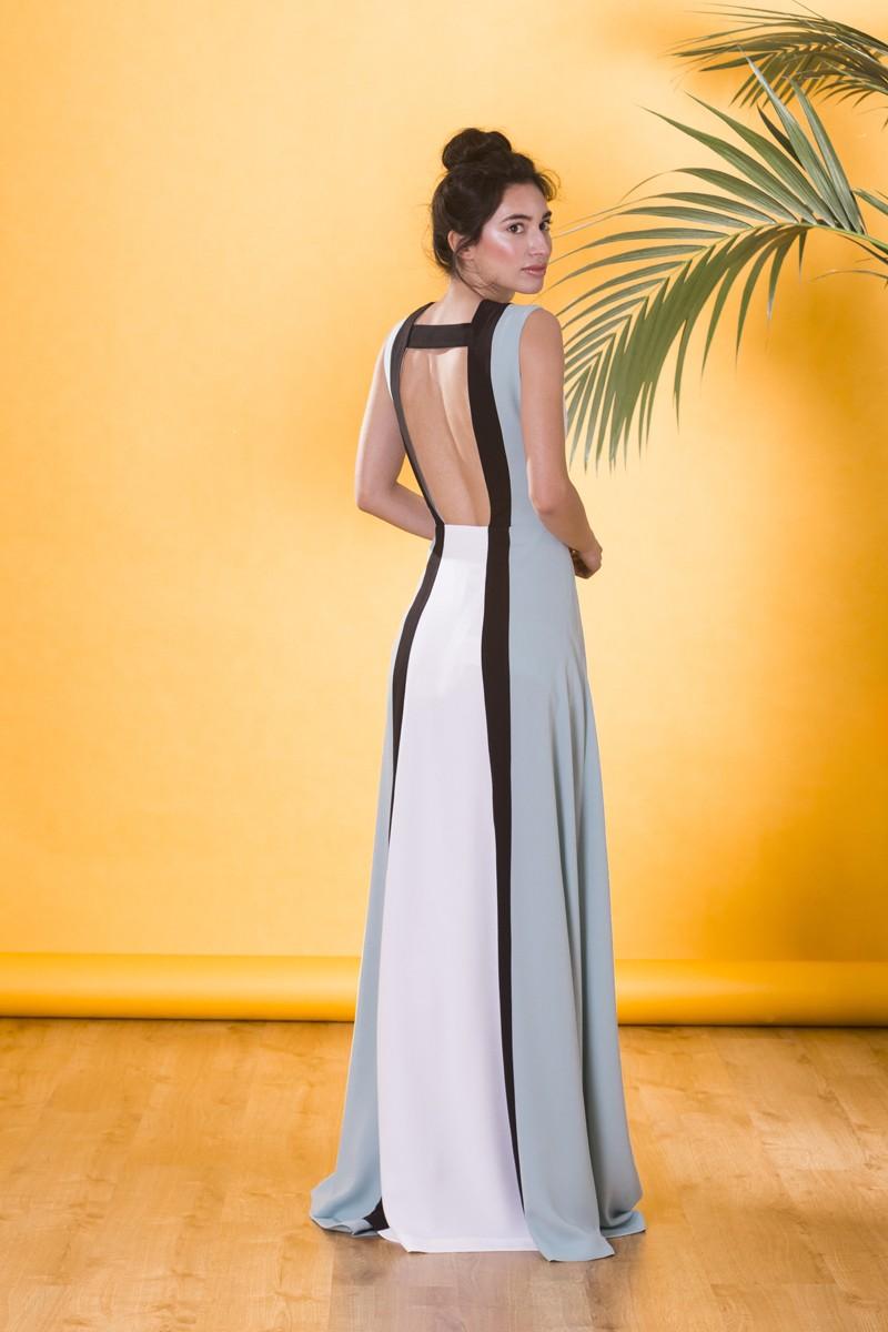 fb39591eb Vestido largo de invitada boda colour block con escote en la espalda y  falda con abertura