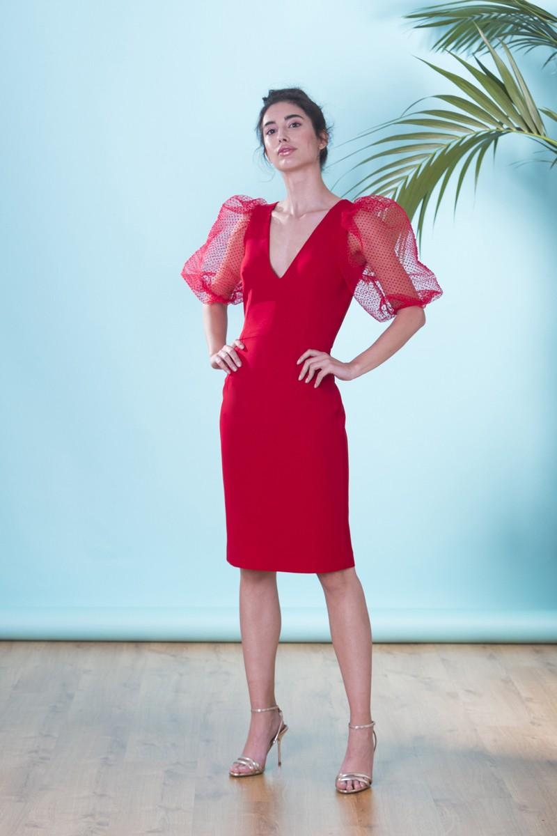 cdd4658f8 Vestido corto de fiesta rojo con escote pico y manga farol de plumetti  plisado para invitada