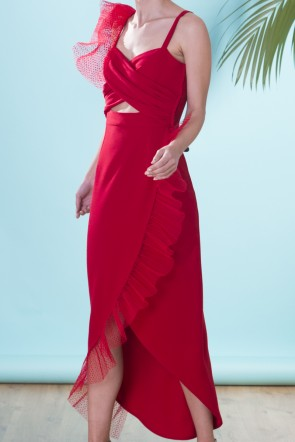 01d8b583f Vestido de fiesta de largo midi color rojo con cuerpo drapeado de volantes plumetti  para invitadas