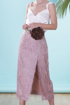 438fe56fff falda midi rosa palo con tejido de flecos con brillo y abertura para  invitadas a boda