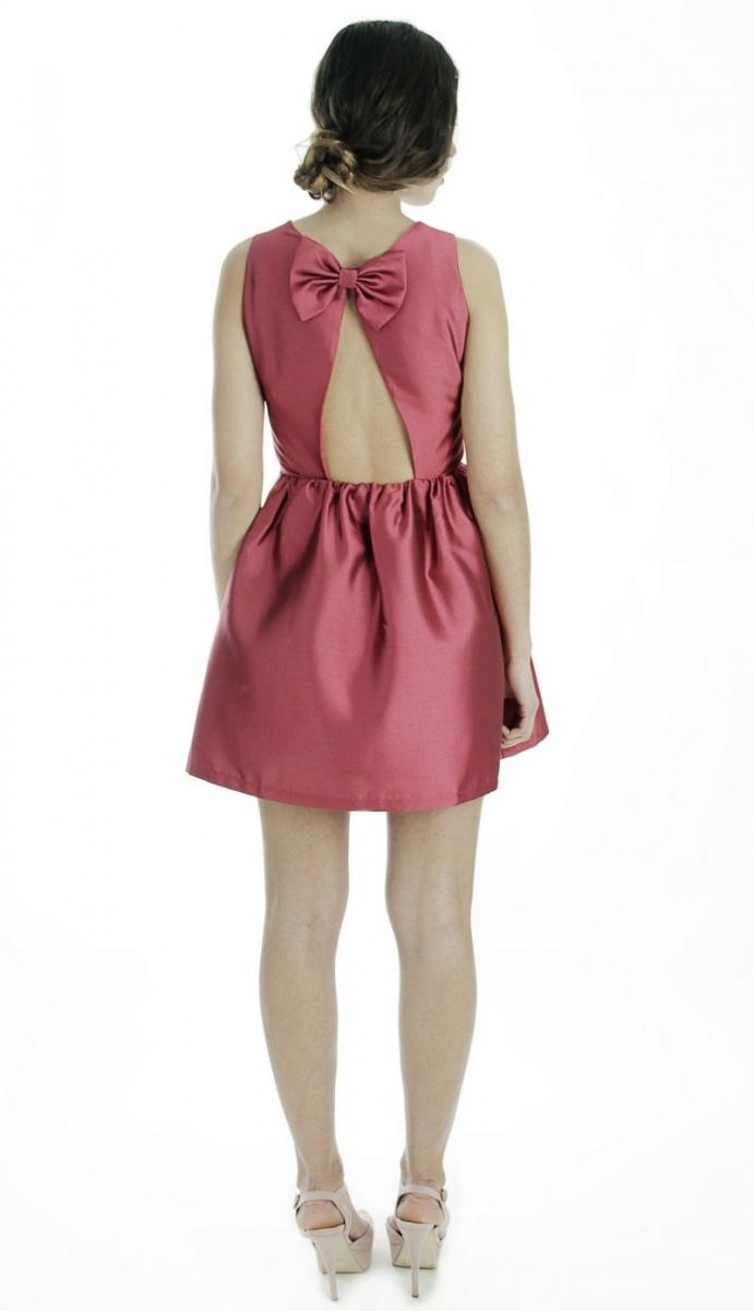 3df050fa6 vestido corto de fiesta de vuelo rojo vino con escote en espalda y lazos  invitada boda