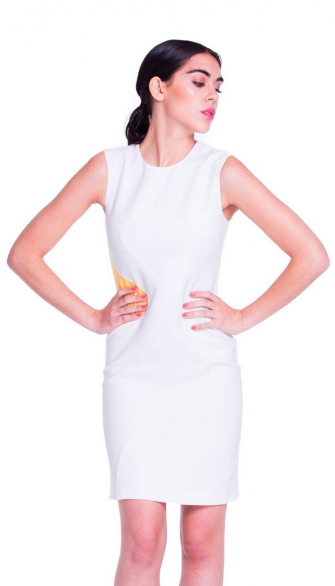 7df5ea080 Vestido blanco corto de corte recto con detalle amarillo en la