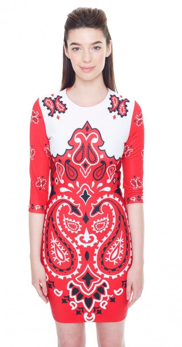 Vestido corto rojo y blanco de estampado paisley