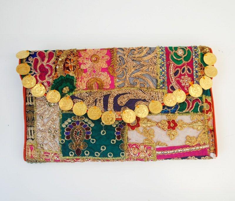 ee2d7fd6f comprar online bolso de mano tipo clutch de estilo etnico boho banjara para  look de invitada