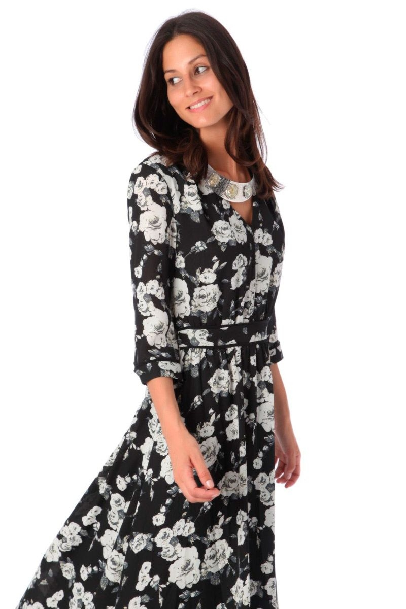 53a0a3337 comprar online vestido largo de flores en blanco y negro de q2 en apparentia