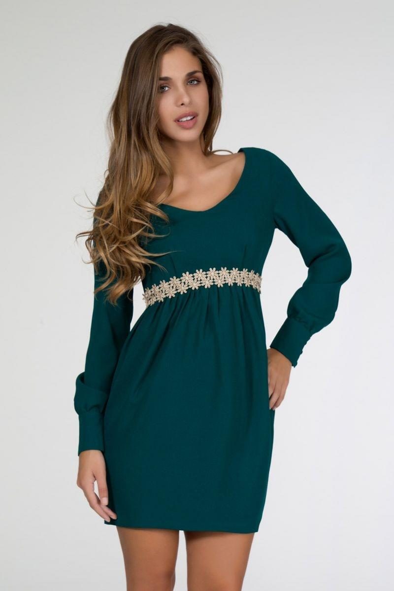 Vestido verde con cinturon de flores