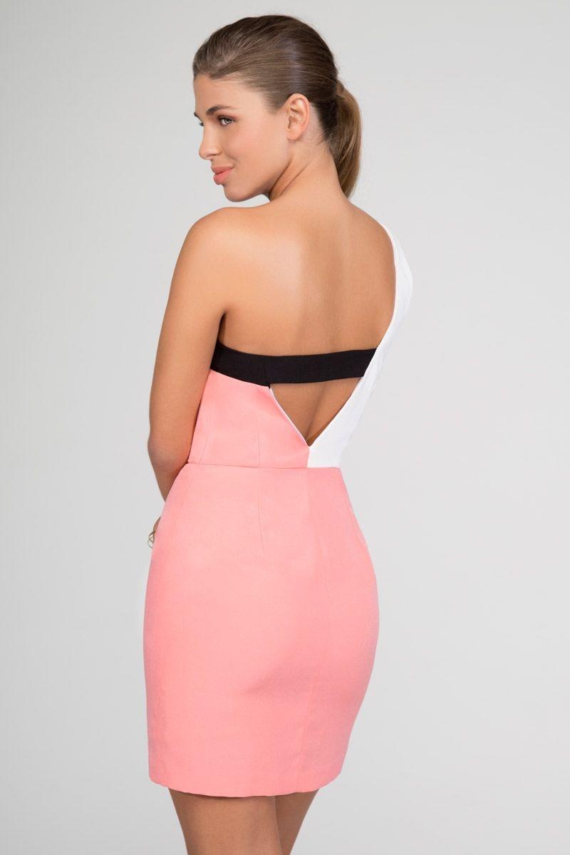 vestido corto de fiesta rosa asimetrico