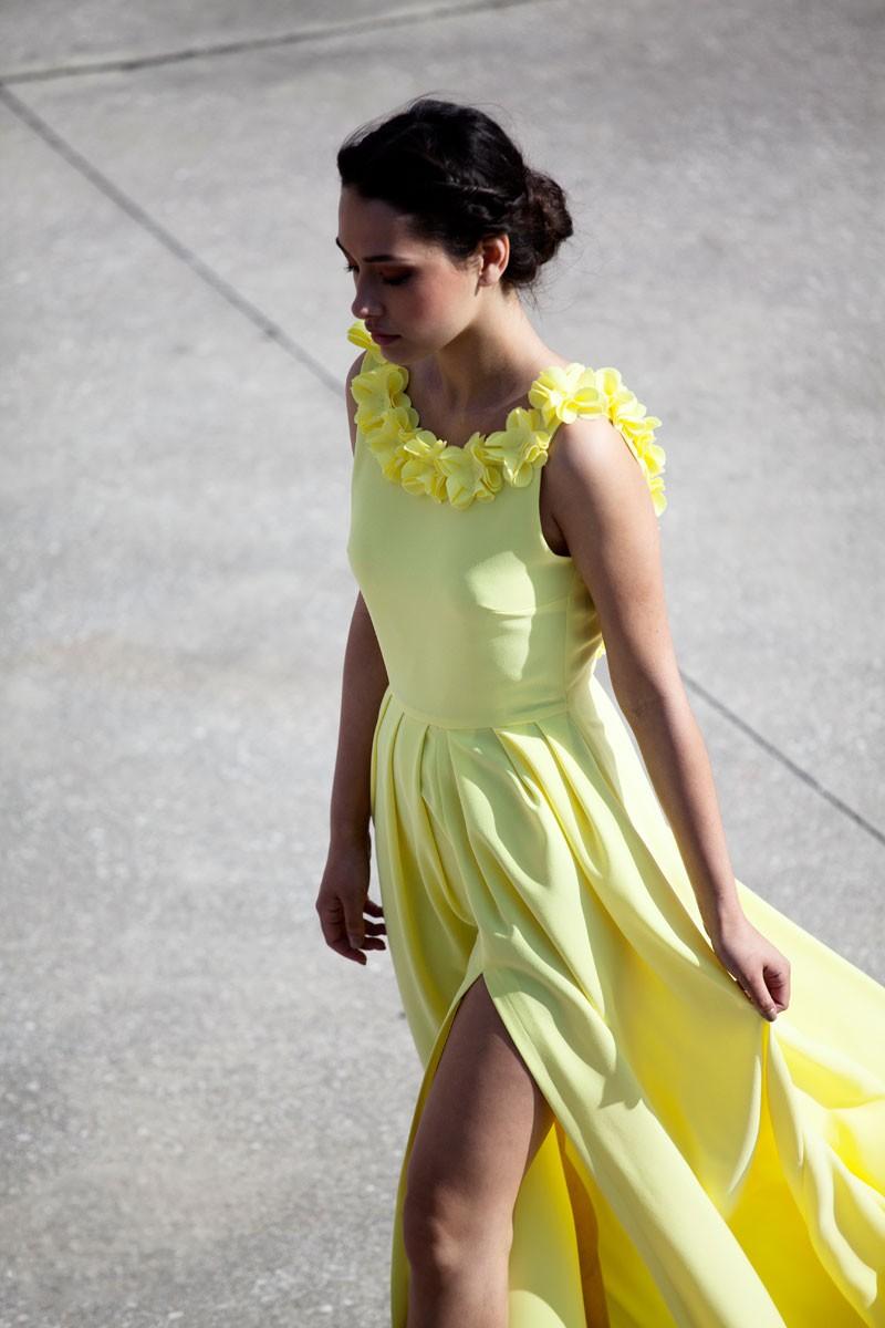 c277a05e9e comprar online vestido largo amarillo con escote en la espalda de fiesta  boda coctel graduacion de